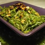 fasolka szparagowa z orzeszkami pini i migdałami