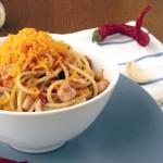 Spaghetti z wędzonym kurczakiem i serem Mimolette
