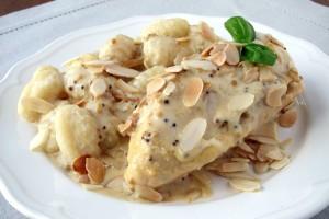 Filet z kurczaka faszerowany figami i kozim serem