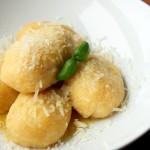 Gnocchi dyniowe nadziewane kozim serem i truflami